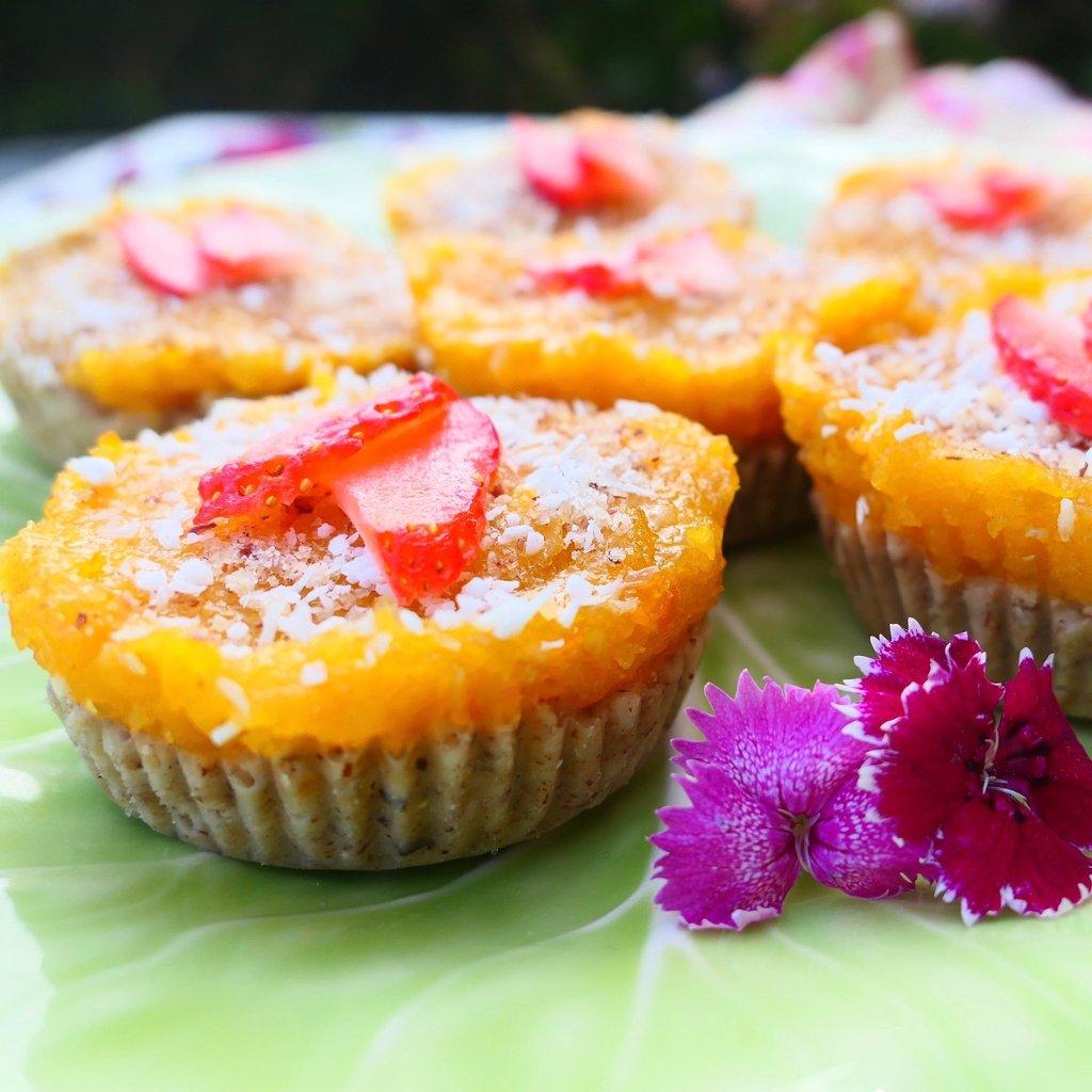 apricot strawberry minitarts cbd